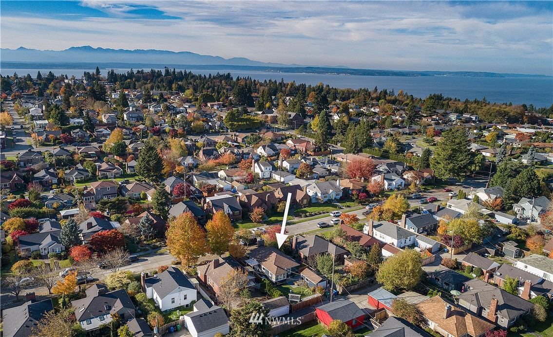 Sold Property | 8324 23rd Avenue NW Seattle, WA 98117 29