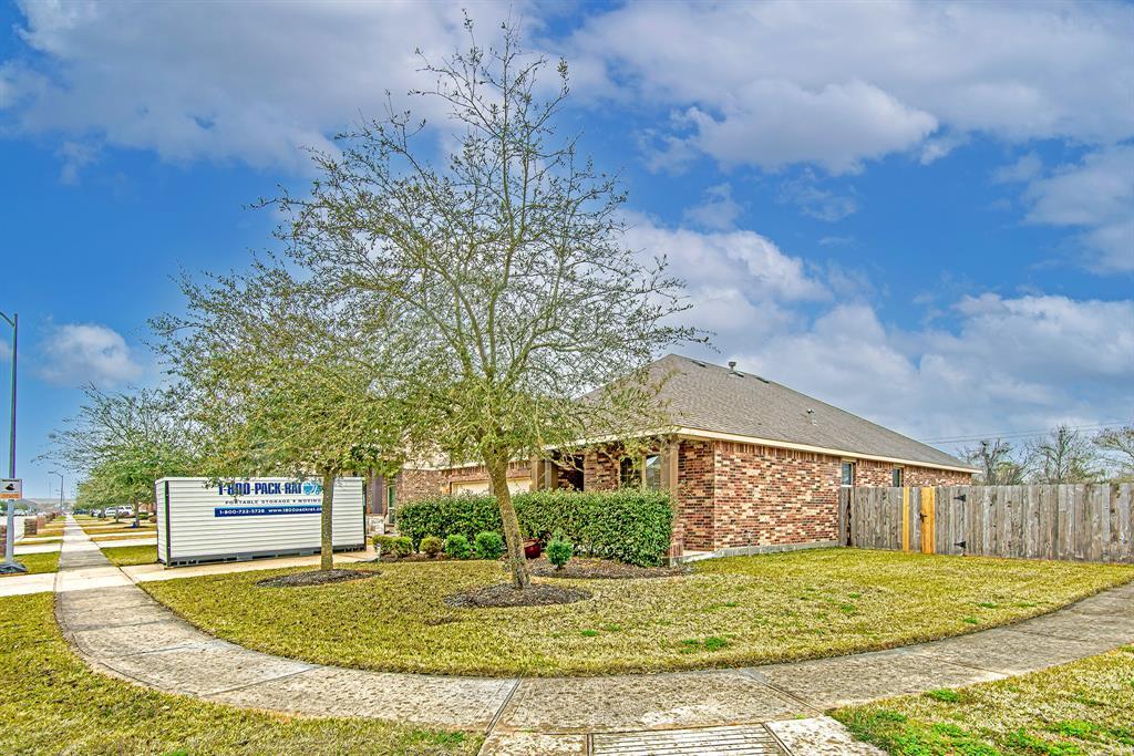 Off Market | 518 Fairway Drive La Porte, Texas 77571 2