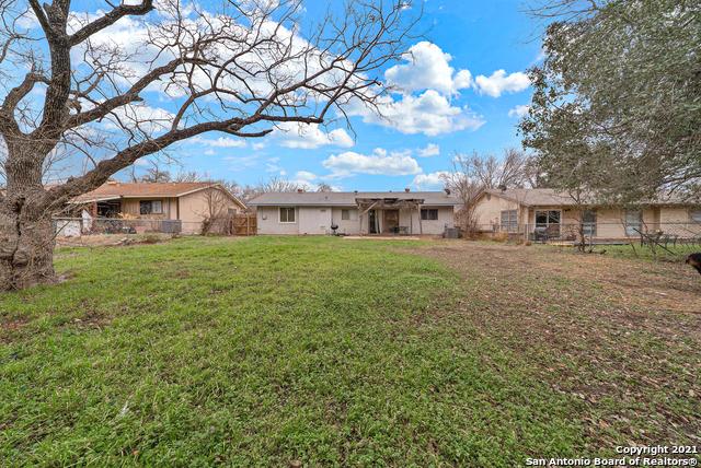 Pending | 1039 Honey Tree St San Antonio, TX 78245 24