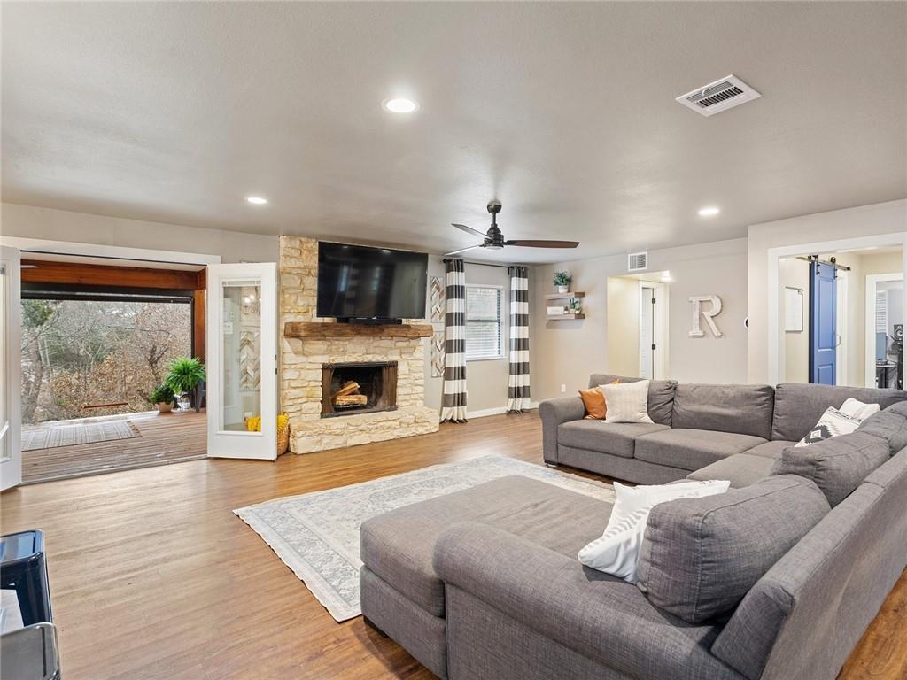 Round Rock luxury | 1104 Creekview Drive Round Rock, TX 78681 12