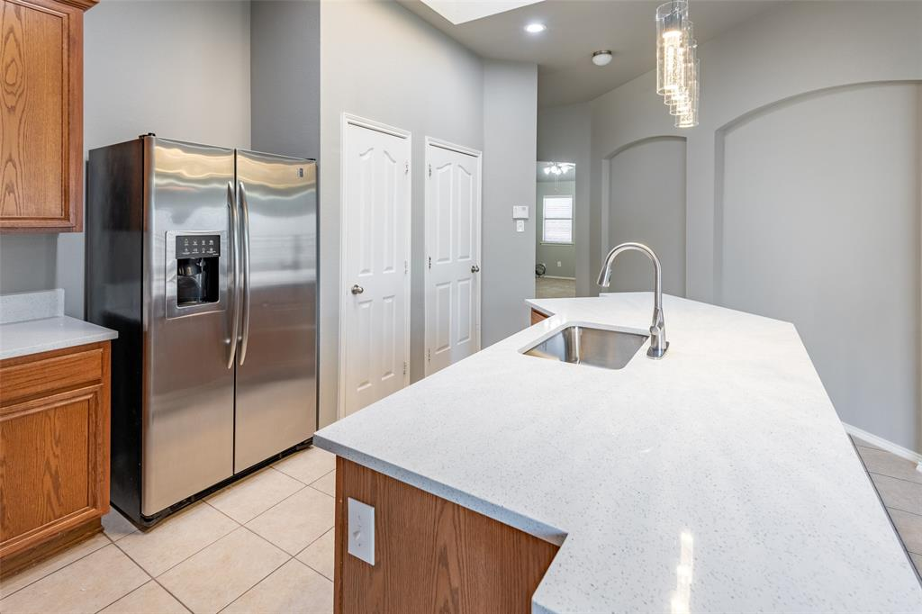 Sold Property   10628 Ambling Trail Fort Worth, Texas 76108 10