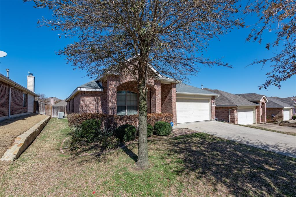 Sold Property | 10628 Ambling Trail Fort Worth, Texas 76108 2