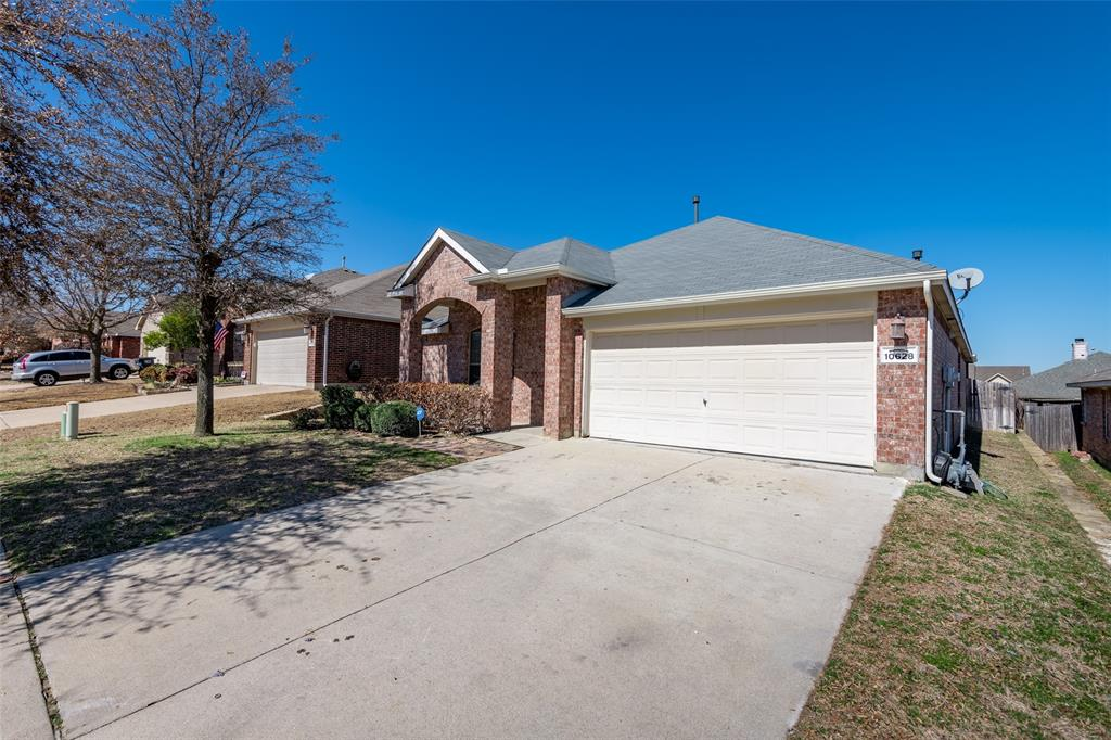 Sold Property   10628 Ambling Trail Fort Worth, Texas 76108 3