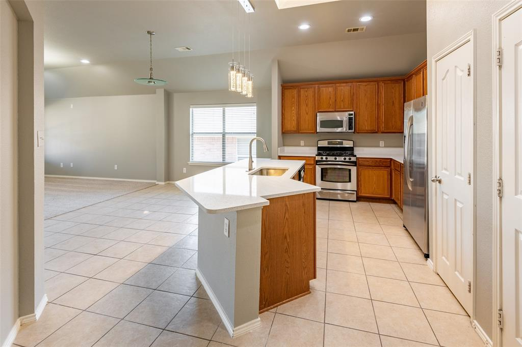 Sold Property   10628 Ambling Trail Fort Worth, Texas 76108 8