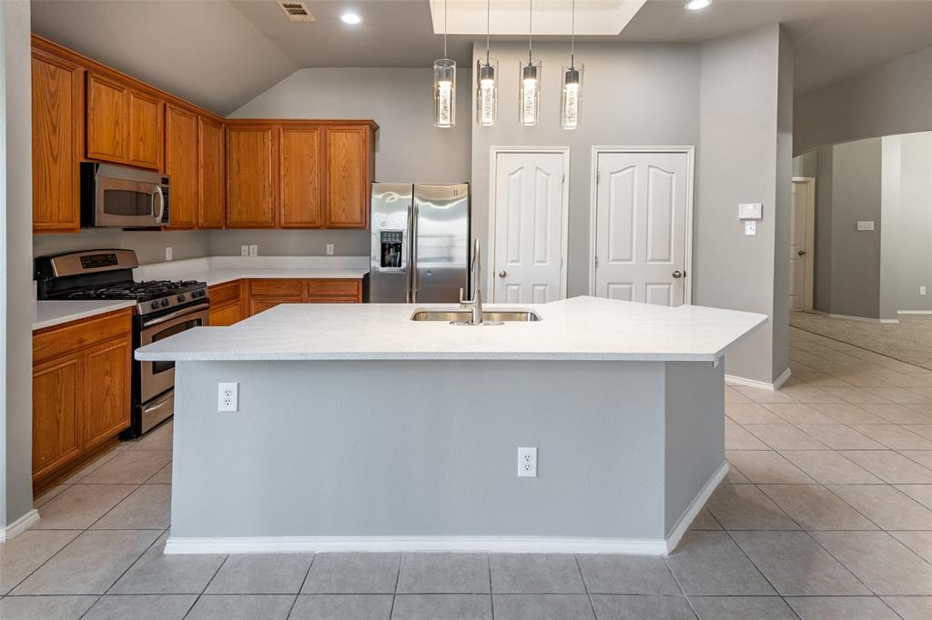 Sold Property   10628 Ambling Trail Fort Worth, Texas 76108 9
