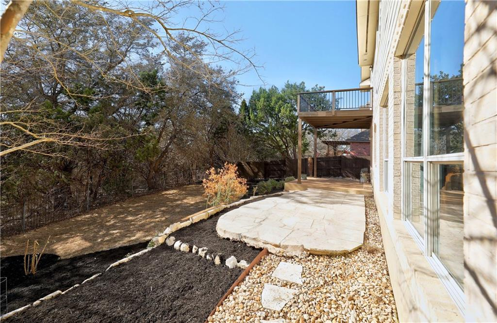 ActiveUnderContract | 2717 Grimes Ranch Road Austin, TX 78732 28