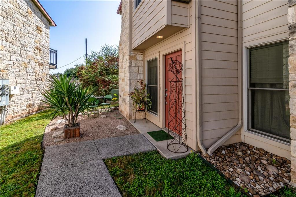 Active | 6900 E Riverside Drive #14 Austin, TX 78741 1