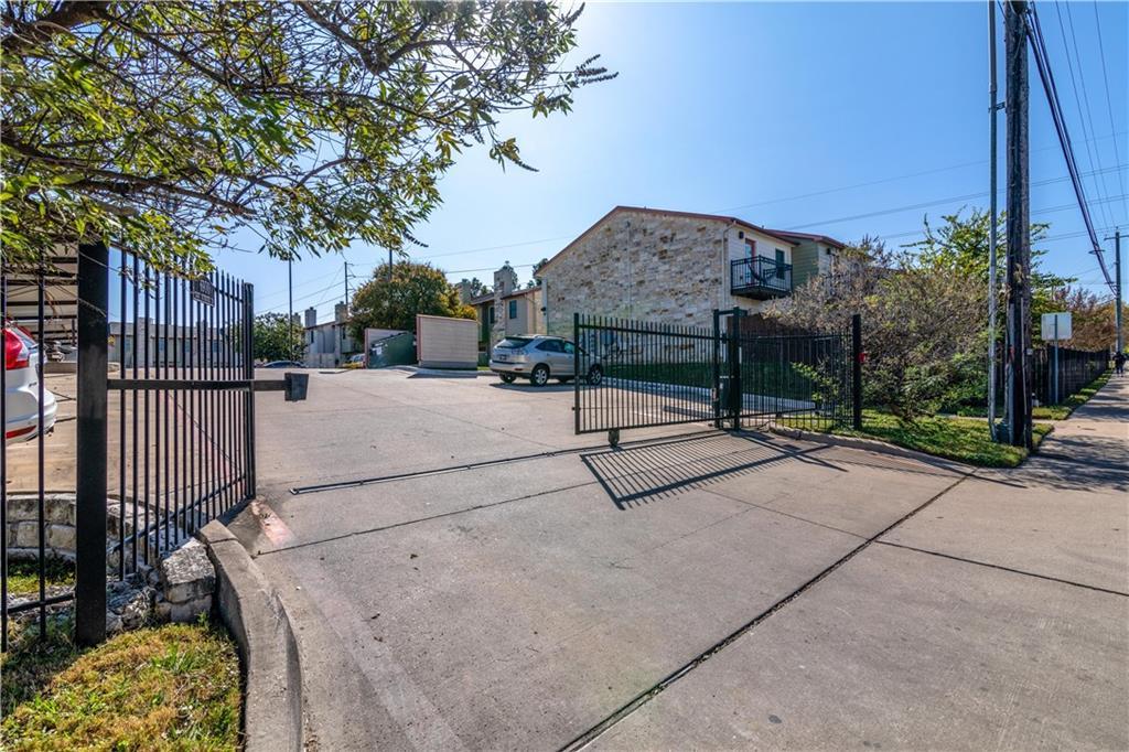 Active | 6900 E Riverside Drive #14 Austin, TX 78741 26