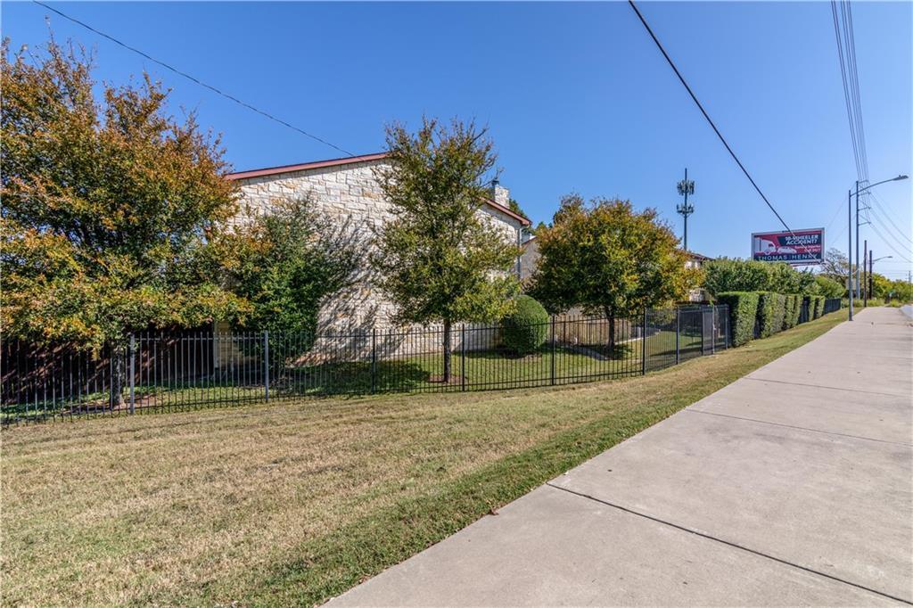 Active | 6900 E Riverside Drive #14 Austin, TX 78741 29