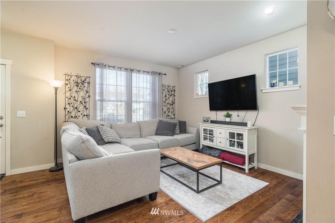 Sold Property | 5900 31st Avenue SW Seattle, WA 98126 11