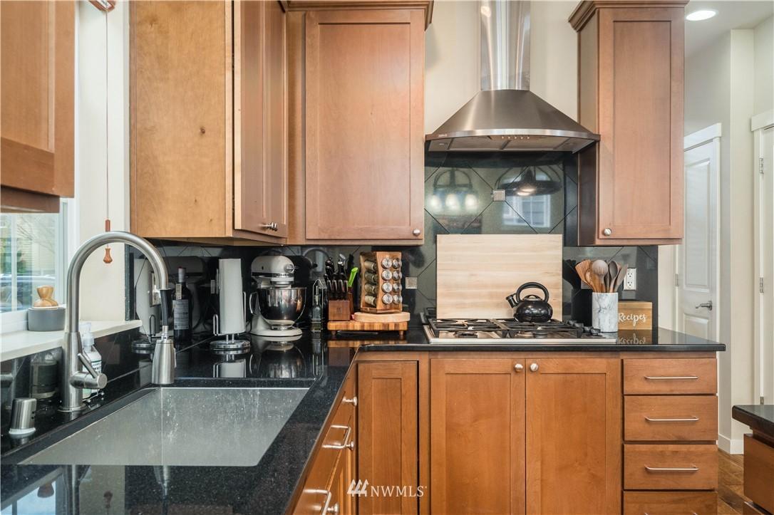 Sold Property | 5900 31st Avenue SW Seattle, WA 98126 15