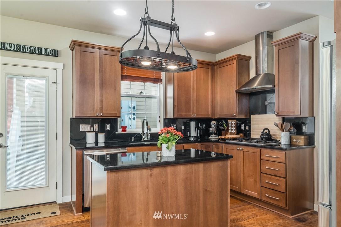 Sold Property | 5900 31st Avenue SW Seattle, WA 98126 16