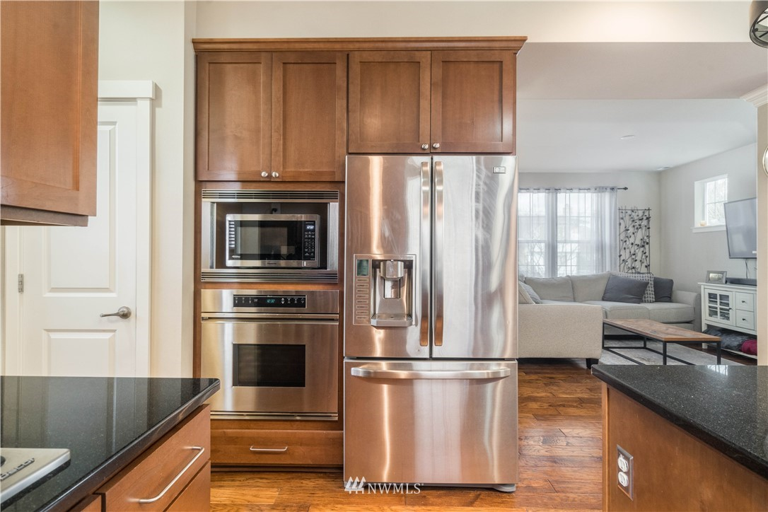 Sold Property | 5900 31st Avenue SW Seattle, WA 98126 17