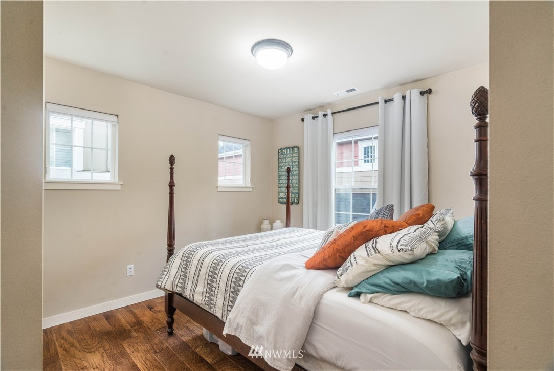 Sold Property | 5900 31st Avenue SW Seattle, WA 98126 24