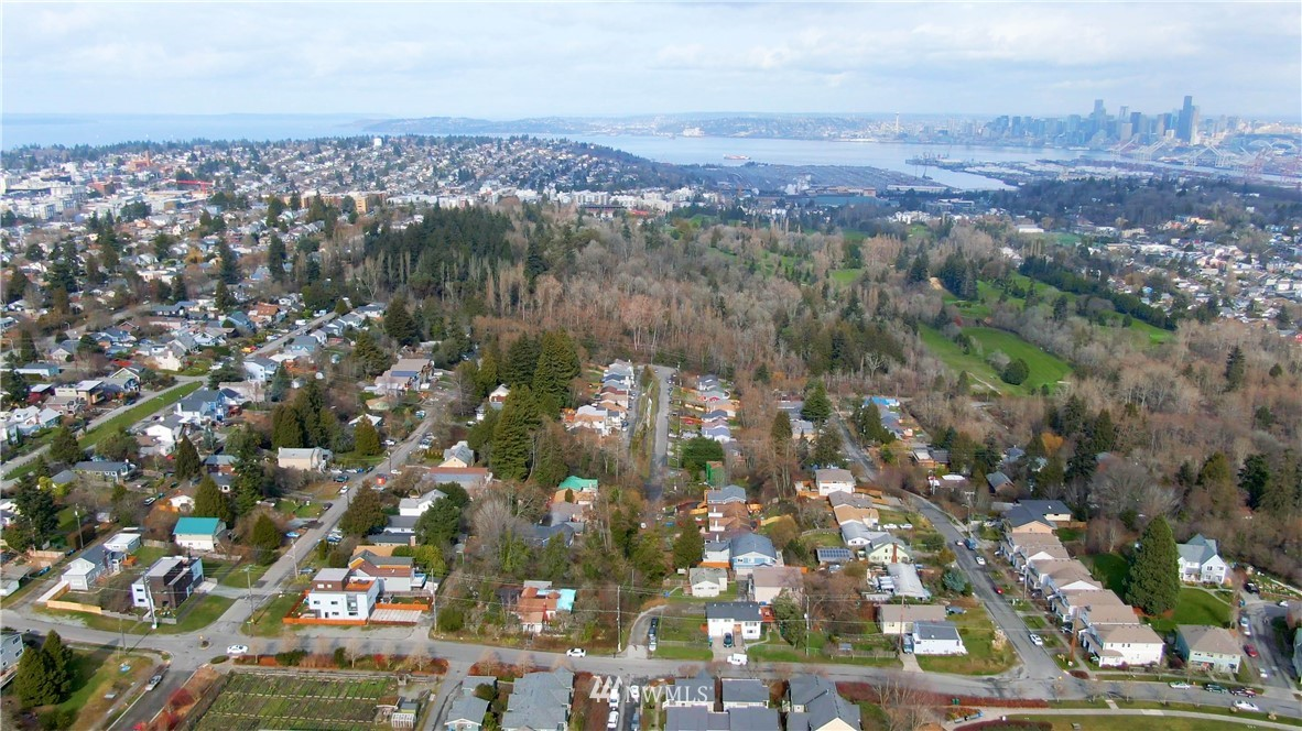 Sold Property | 5900 31st Avenue SW Seattle, WA 98126 31