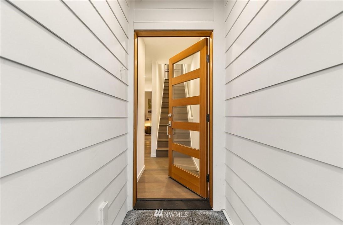 Sold Property | 5915 California Avenue SW Seattle, WA 98136 2