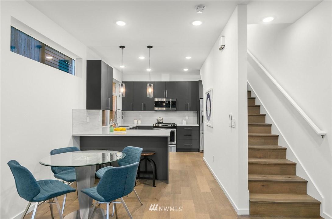 Sold Property | 5915 California Avenue SW Seattle, WA 98136 7