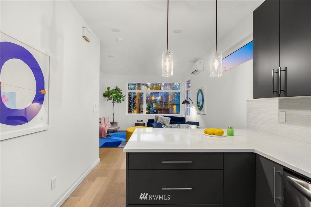 Sold Property | 5915 California Avenue SW Seattle, WA 98136 16