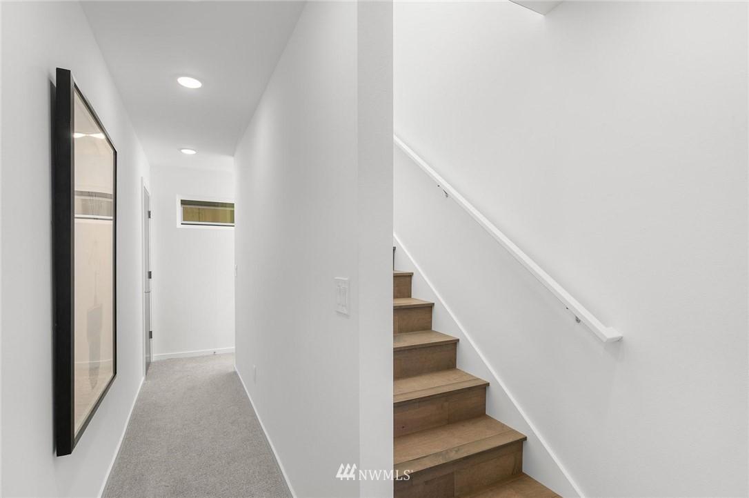 Sold Property | 5915 California Avenue SW Seattle, WA 98136 17