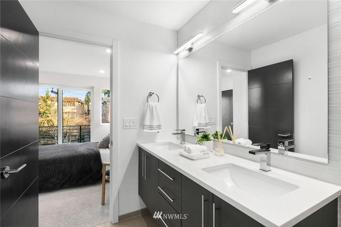 Sold Property | 5915 California Avenue SW Seattle, WA 98136 23
