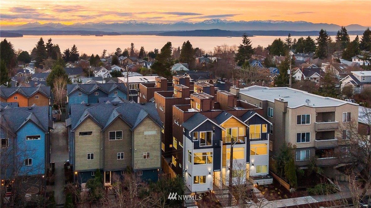 Sold Property | 5915 California Avenue SW Seattle, WA 98136 33