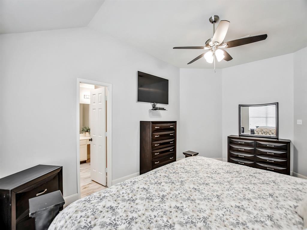 Pending | 14015 Littleborne Birdwell Lane Houston, Texas 77047 22