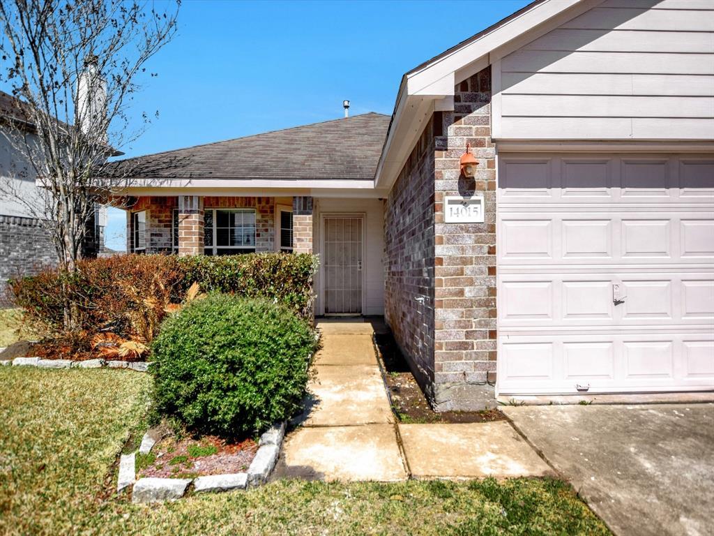 Pending | 14015 Littleborne Birdwell Lane Houston, Texas 77047 2