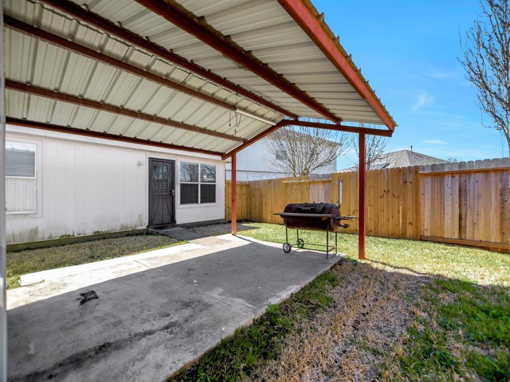 Pending | 14015 Littleborne Birdwell Lane Houston, Texas 77047 32