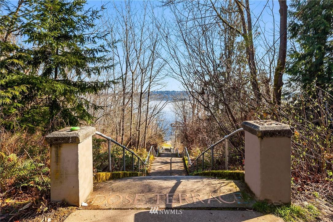 Sold Property | 2037 32nd Avenue S Seattle, WA 98144 36