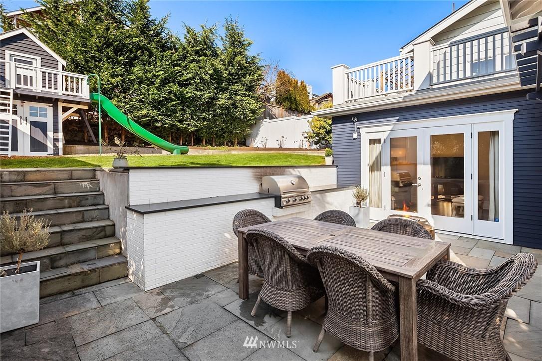 Sold Property | 2037 32nd Avenue S Seattle, WA 98144 15
