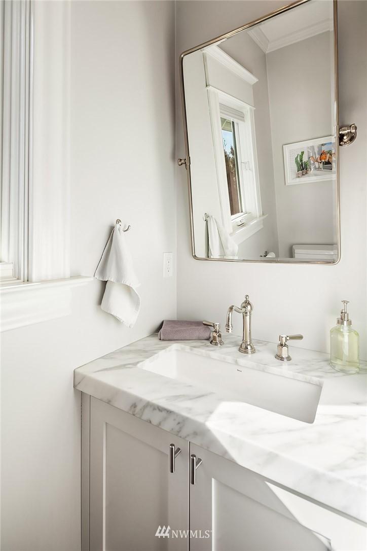 Sold Property | 2037 32nd Avenue S Seattle, WA 98144 7