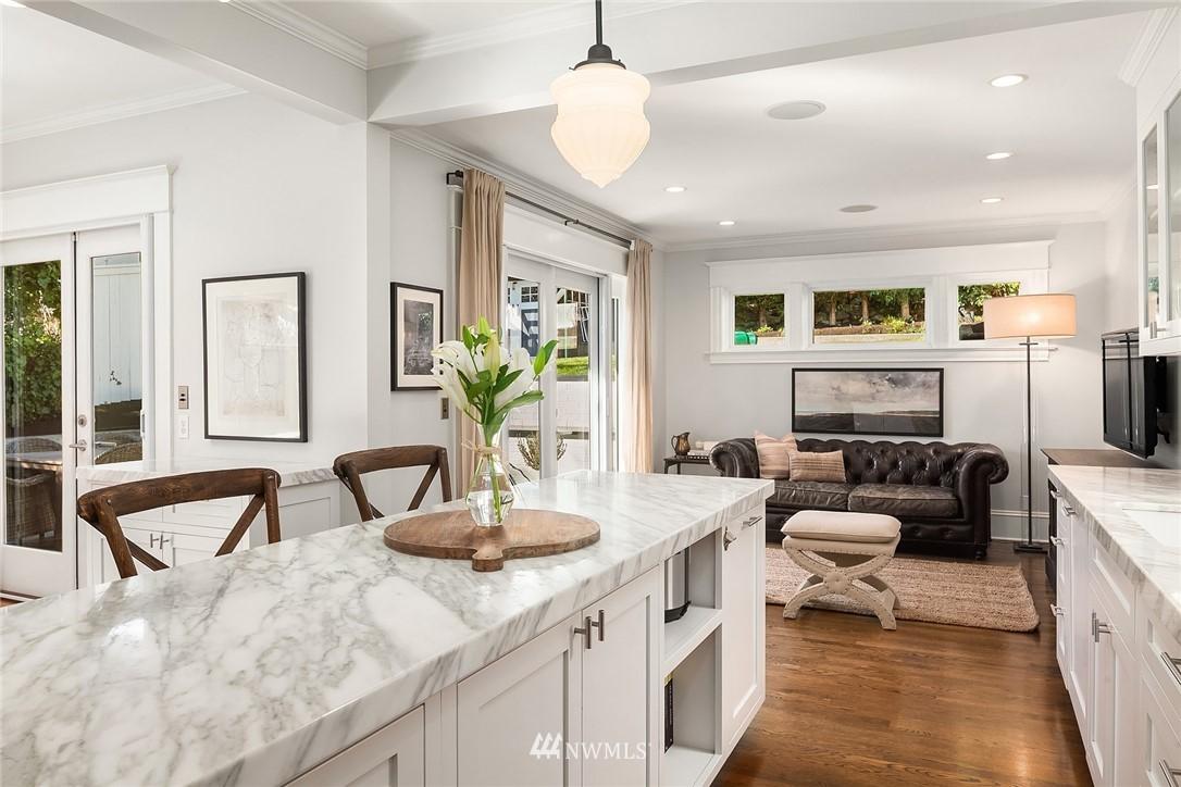 Sold Property | 2037 32nd Avenue S Seattle, WA 98144 12