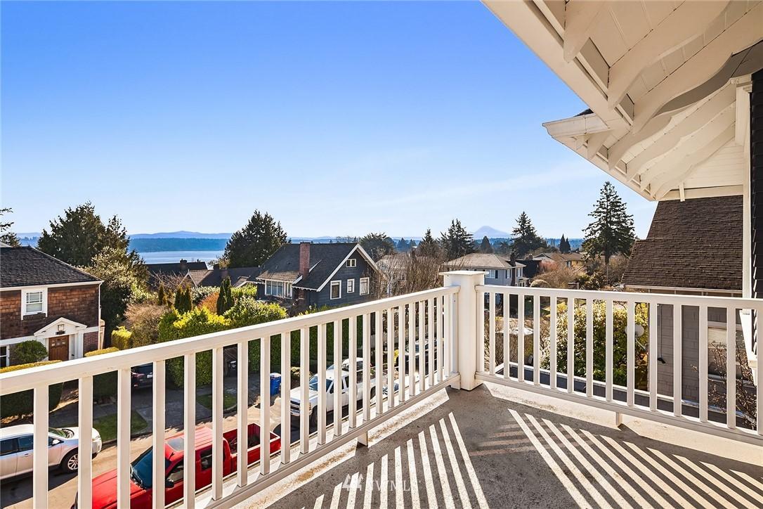 Sold Property | 2037 32nd Avenue S Seattle, WA 98144 19