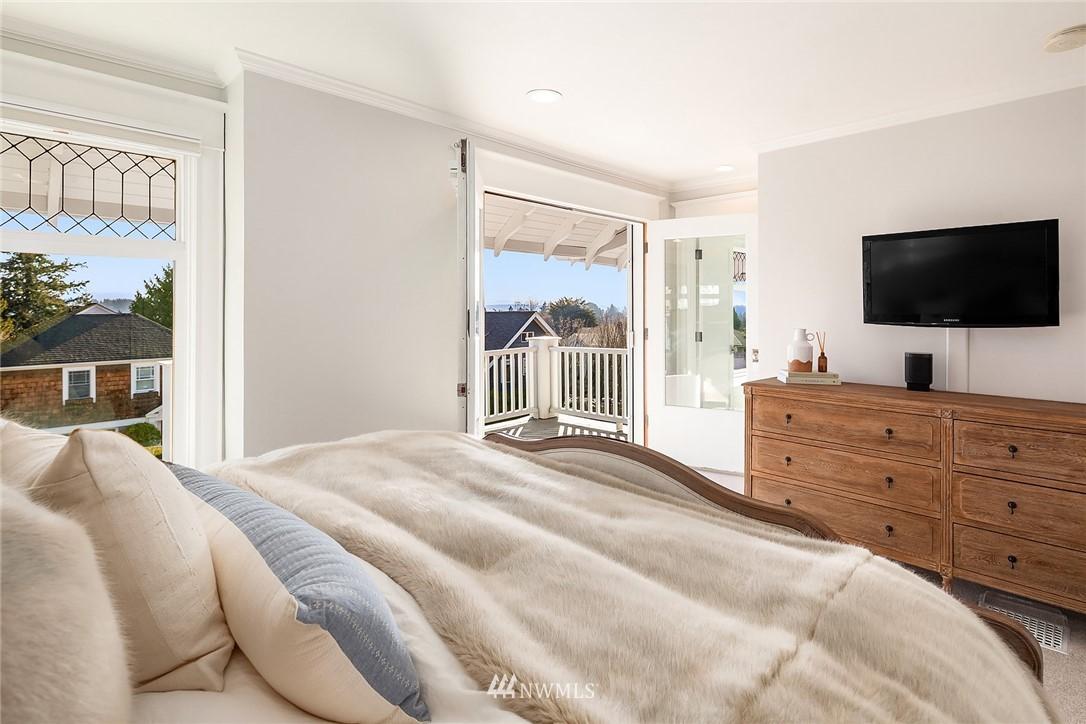 Sold Property | 2037 32nd Avenue S Seattle, WA 98144 18