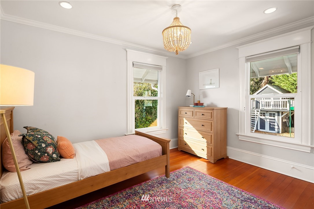 Sold Property | 2037 32nd Avenue S Seattle, WA 98144 23