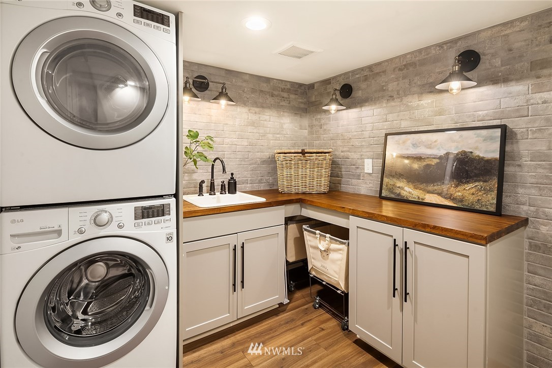 Sold Property | 2037 32nd Avenue S Seattle, WA 98144 30