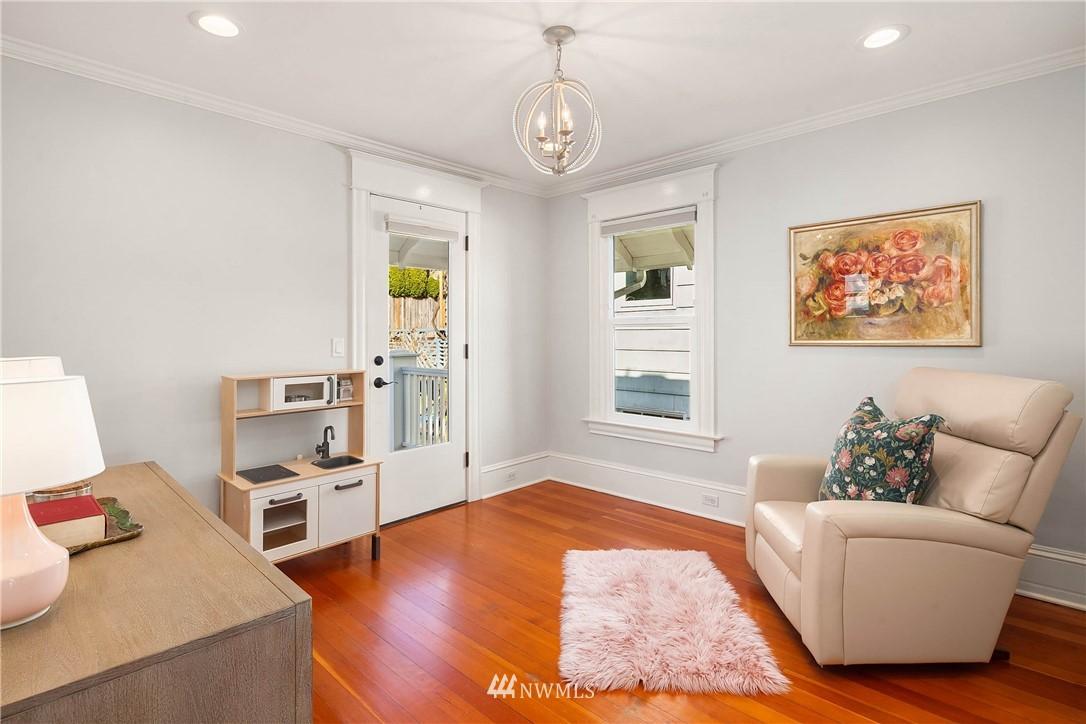 Sold Property | 2037 32nd Avenue S Seattle, WA 98144 24
