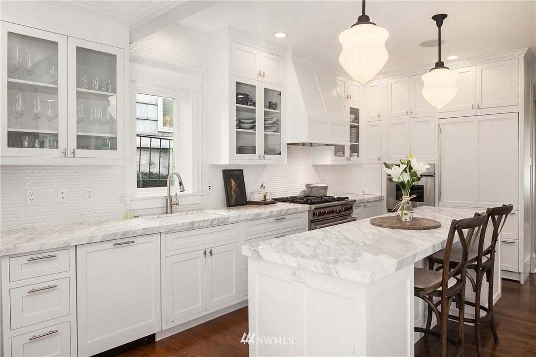 Sold Property | 2037 32nd Avenue S Seattle, WA 98144 9