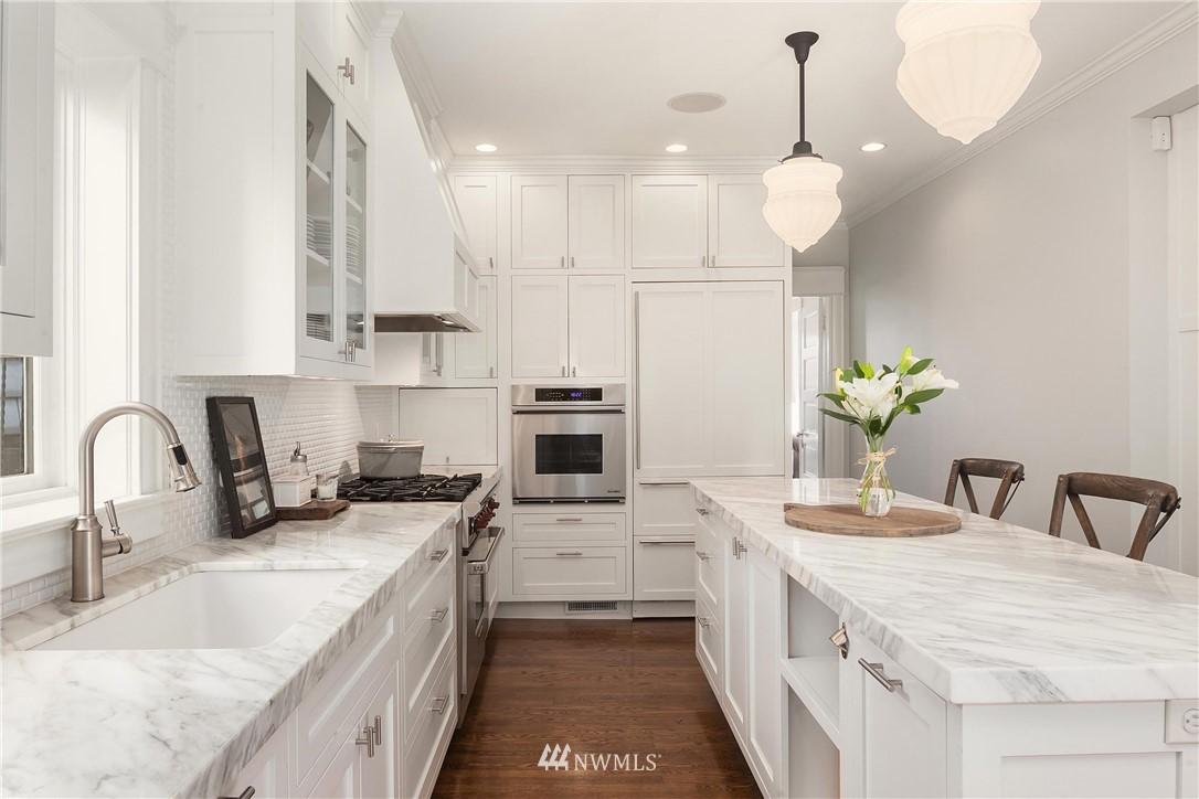 Sold Property | 2037 32nd Avenue S Seattle, WA 98144 10