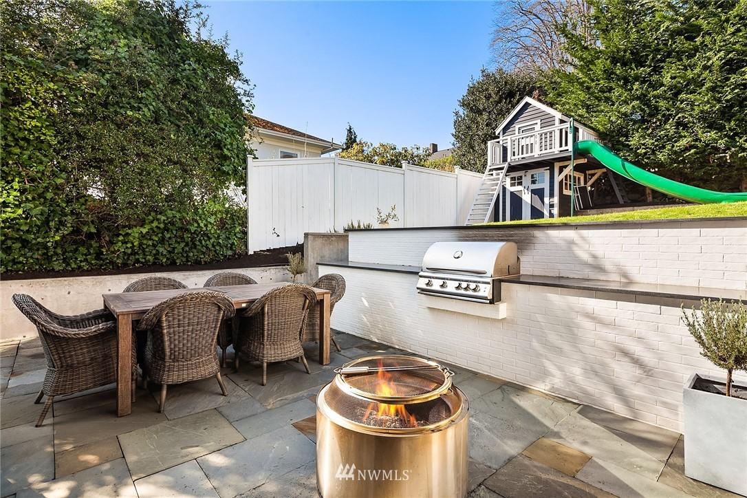 Sold Property | 2037 32nd Avenue S Seattle, WA 98144 14