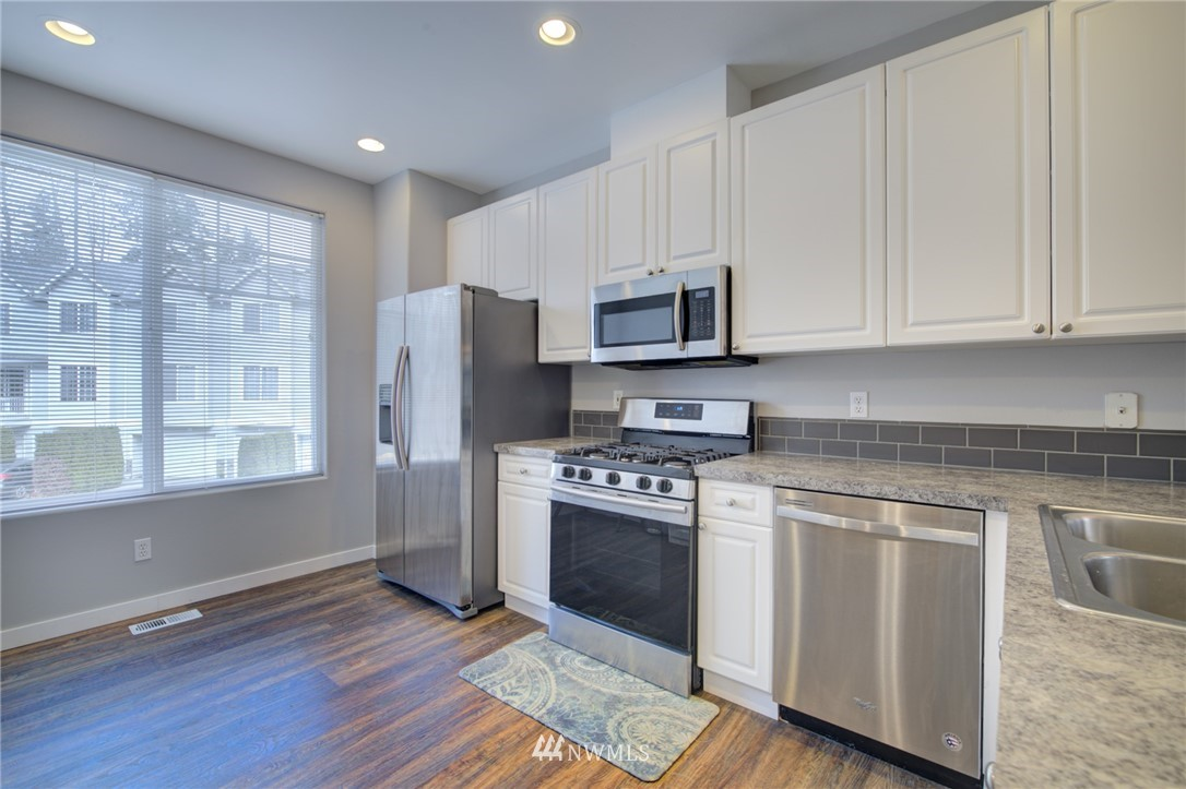 Sold Property | 10420 Holly Drive #C Everett, WA 98204 2