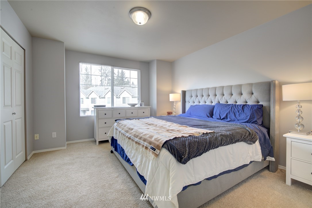 Sold Property | 10420 Holly Drive #C Everett, WA 98204 10