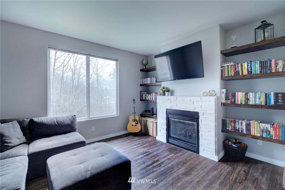 Sold Property | 10420 Holly Drive #C Everett, WA 98204 7