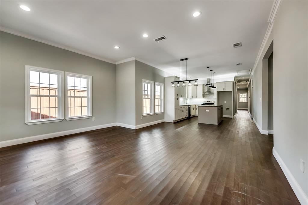 Active Contingent | 810 N Tennessee Street McKinney, Texas 75069 2