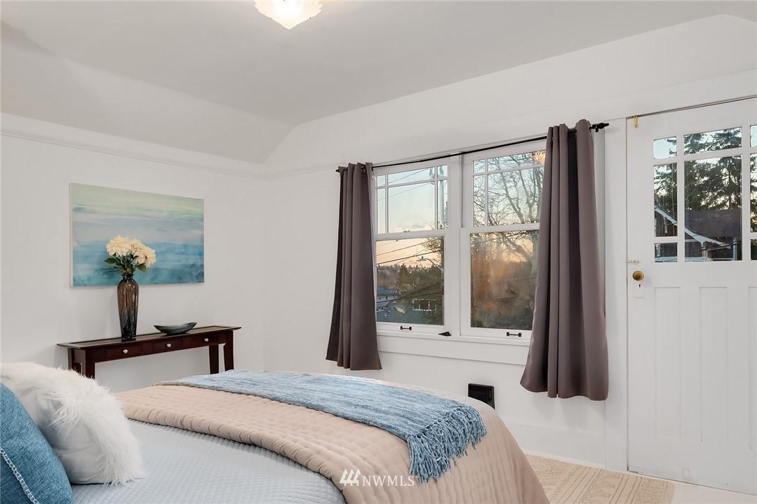 Sold Property | 514 N 72nd Street Seattle, WA 98103 19