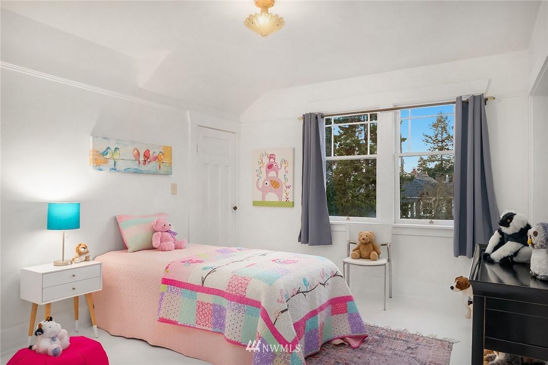 Sold Property | 514 N 72nd Street Seattle, WA 98103 23