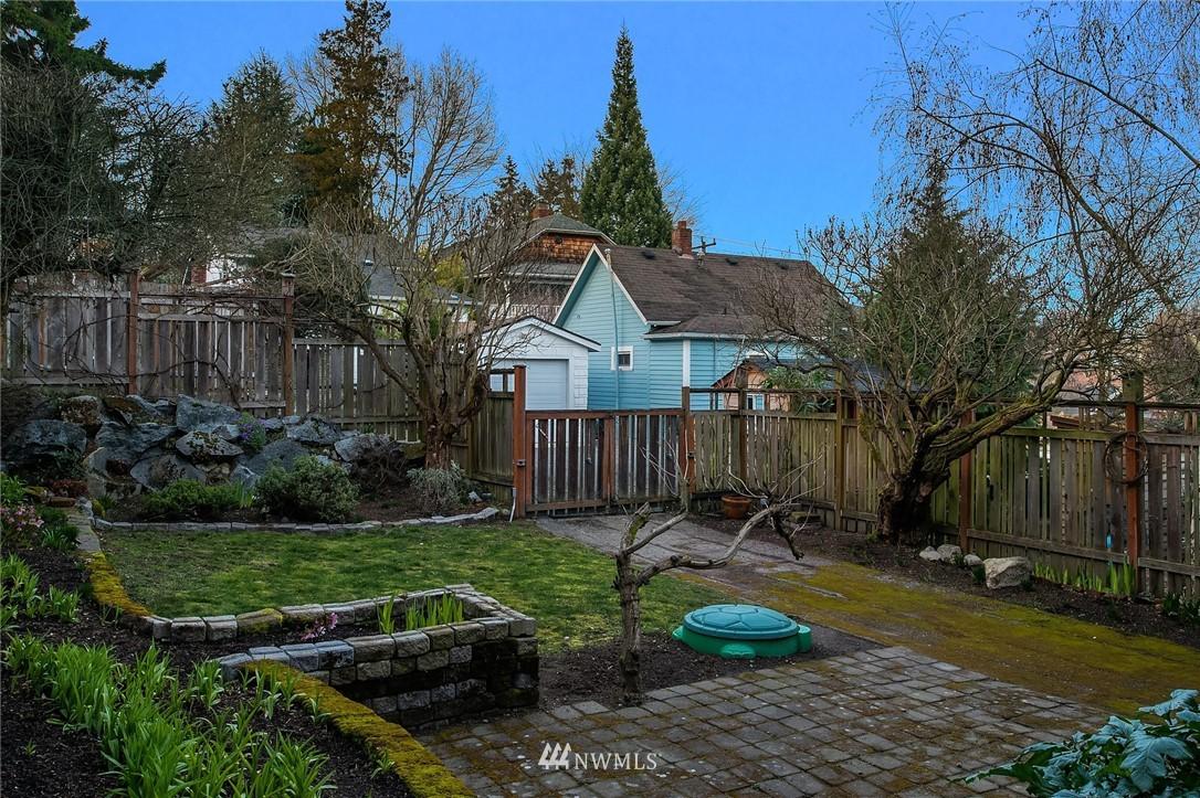 Sold Property | 514 N 72nd Street Seattle, WA 98103 33