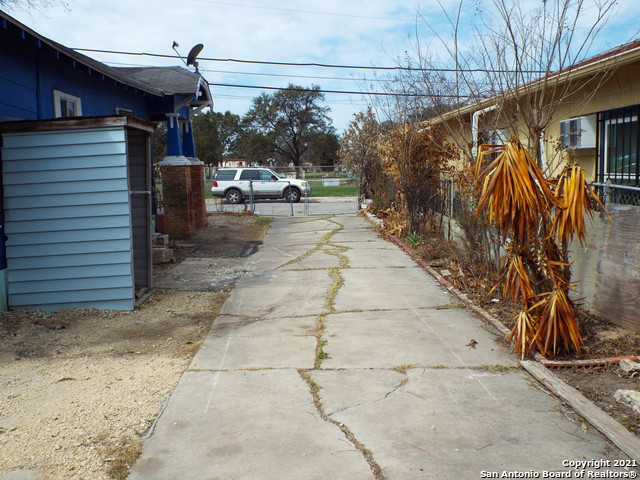 Back on Market | 1116 S SAN MARCOS San Antonio, TX 78207 9