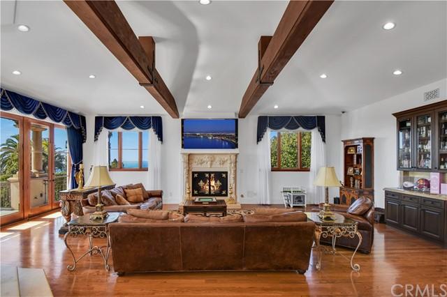 Active   999 Paseo La Cresta Palos Verdes Estates, CA 90274 10