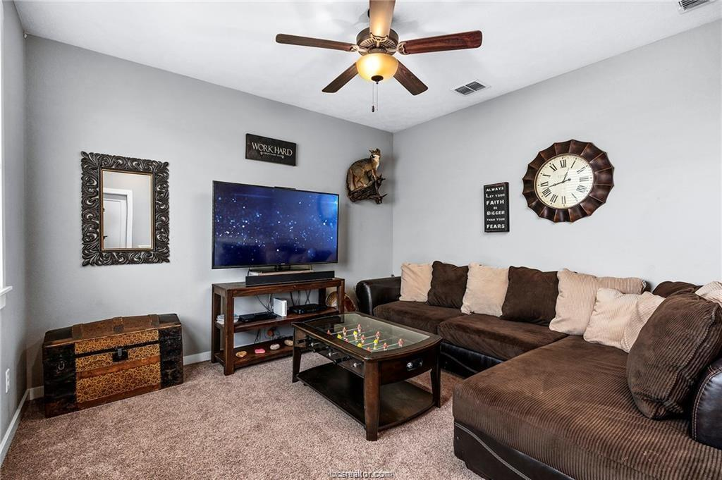 Pending | 4423 Toddington Lane College Station, TX 77845 19